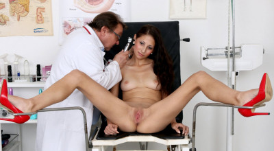Maria 2 (25 years girls gyno exam)
