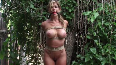 Tight bondage, strappado and spanking for sexy naked model