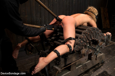 [Device Bondage]Squirt Alert! From the ass that keeps on taking(2011,Kink, Amy Brooke)