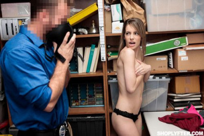 Description Kimmy Granger - Case 0224032 FullHD 1080p