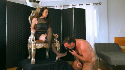 Description Princess Carmela - The Edge Of Humiliation