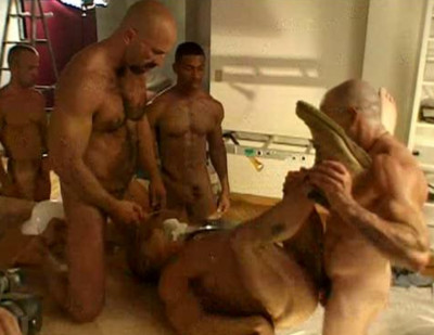 Description Hard Gangbang With Muscle Pigs