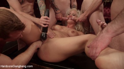 Description All In: Holly Heart gets Triple Penetrated by Huge fat cocks!