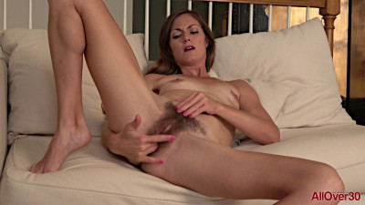 Description Veronica Johnson - Mature Pleasure