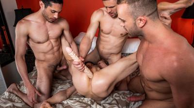 Bareback Four-Way Andrey Vic, Jackson Radiz, Ruslan Angelo HD