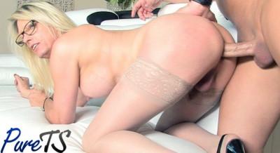 Jenna Ranee / busty blonde MILF Jenna Ranee gets barebacked