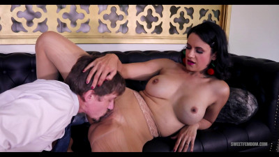 Description Penny Barber - Intern Seduction