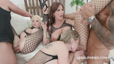 Syren De Mer, Dee Williams and Barbie Sins DAP with Pee Part 1