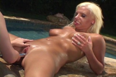 Threesoming by a pool