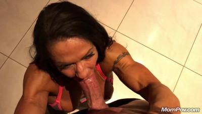 horny muscled milf sucking big dick