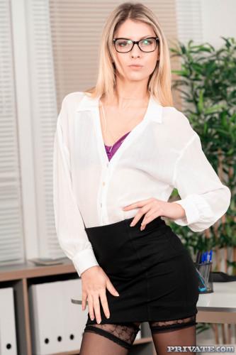 Rebecca Volppetti At Your Service FullHD 1080p