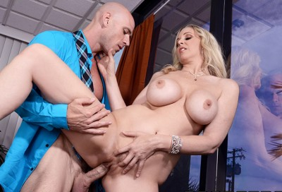 Johnny Sins Fucks Julia Ann in Mom Blows The Job