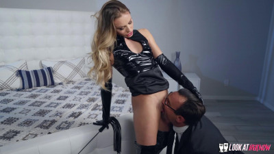 Naomi Swann – Whos The Boss Now? (2019)