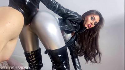 Silver Leggings Ass Worship and Facesitting — Full HD 1080p