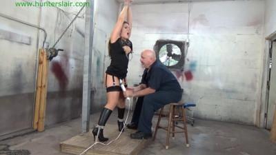 Carmen Valentina – Struggling BDSM