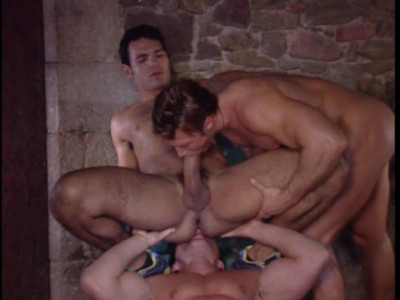 Description Muscle hunks enjoys raw group sex