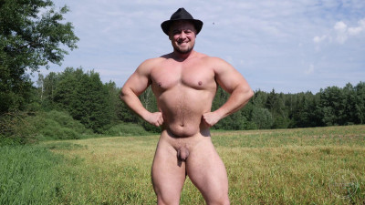 Description TheGuySite Oleg - Russian Strongman Jerks Off in the Country