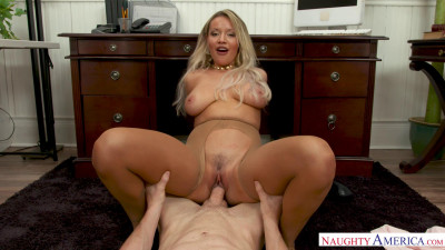 Kylie Page – Successful Summer