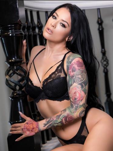 Katrina Jade – On The Brink FullHD 1080p