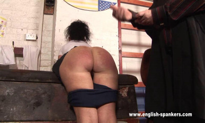 English-spankers – After spanking the unlucky Emma