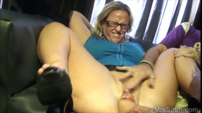 big boob mature dee loves to be drilled by her neighbour