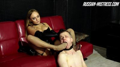 Russian Mistress - Mistress Gianna And Boot Licker