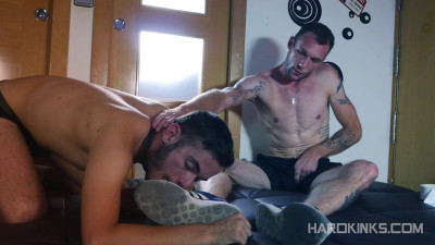 Hard Kinks - Suck My Toes (David Luca, Guillaume Wayne)
