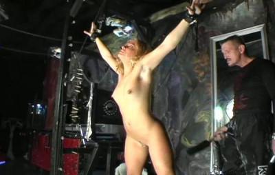 Sexy Blonde Pain Slut