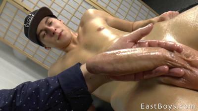 EastBoys — Flexing Massage and Handjob Part 2