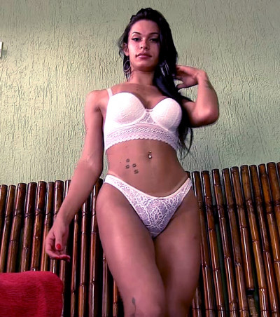 Beautiful Mariana de Castro Jacks Off!