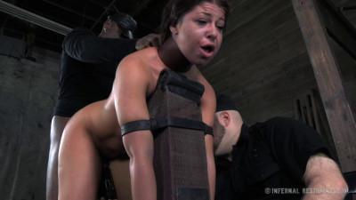 Dungeon Slave part 2 – Mia Gold