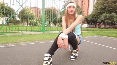 Daniela Martinez - Wet Hoops Dreams (17 Feb 2015)