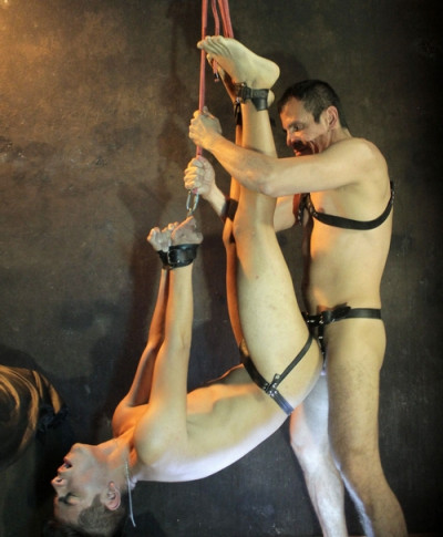 Description Twink Slave Ravaged Raw In All Sorts Of Suspension