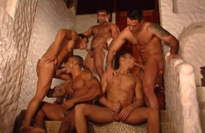 Muscle Parashooters In Summer Orgies