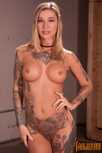 Kleio Valentien (6 videos)