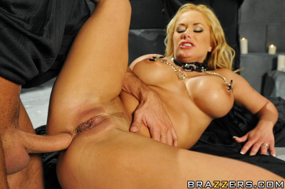 Playful Blonde Realized That It Will Be Difficult Test