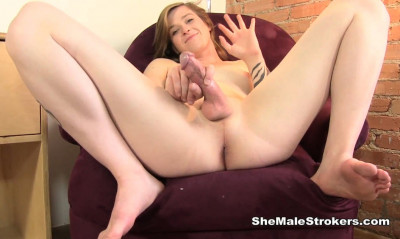 Southern Trans Girl Wants You Cover You With Sticky Hospitality (10 Jun 2015)
