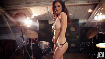 Emma Glover – Getting Cheeky