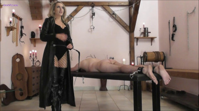 Mistress Courtney - Suffering On The Bench