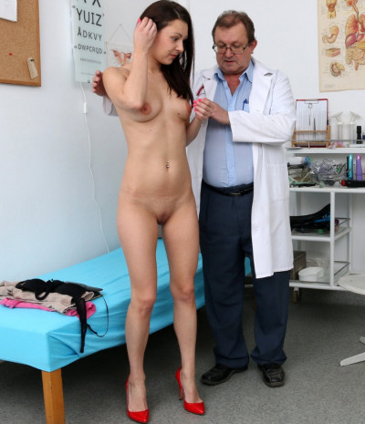 Kara Rose (25 years girls gyno exam)