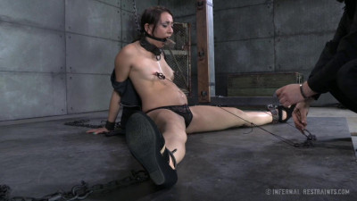 Mandy Muse Gets Her First Experience With BDSM