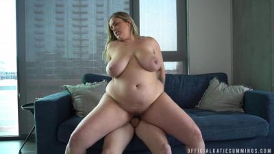 Huge ass bbw milf katie fucked on the sofa hard