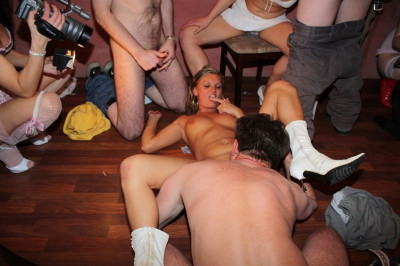 Slutty Mary swinger party
