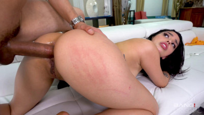 Vanessa Sky – Vanessa Sky Opens Up Her Asshole With Shiny Buttplugs