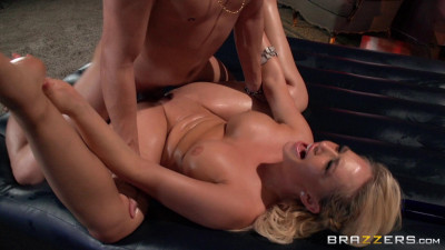 Naughty Blonde Poses As A Good Masseuse