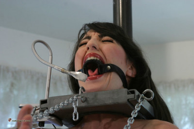 HouseofGord BDSM Latex-Ruber Bondage – Pt 1