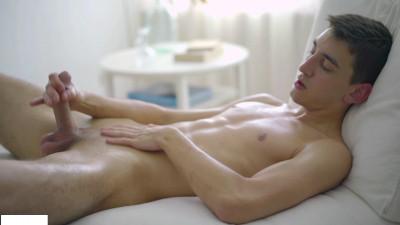 Description Squirting cum with slim and hung Pyotr Belyakov