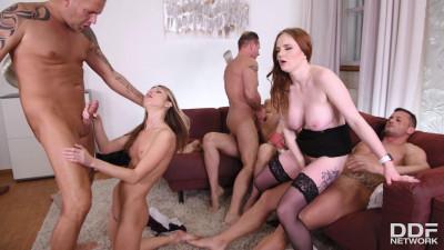 Rebecca Volpetti, Carly Rae & Gina - Orgy in the Classroom