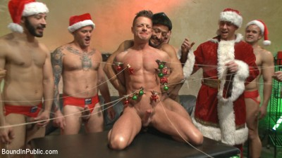 Muscled submissive whored out by santa for the holidays