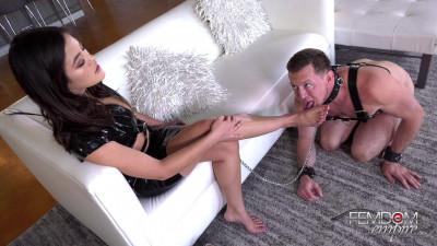 Kendra Spade Devoted Foot Slut
